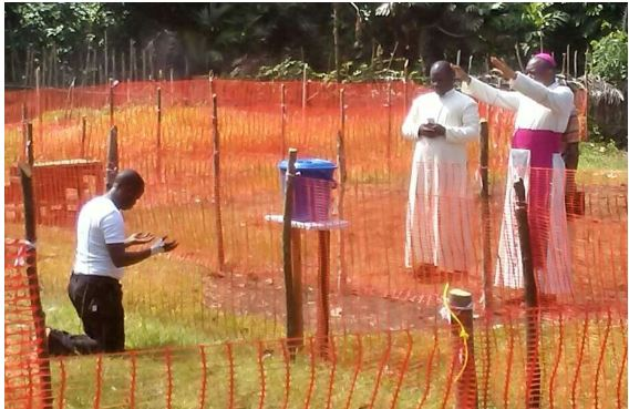 Catholic Bishop Prays For The Priest Infected With Ebola In Congo (Photo)
