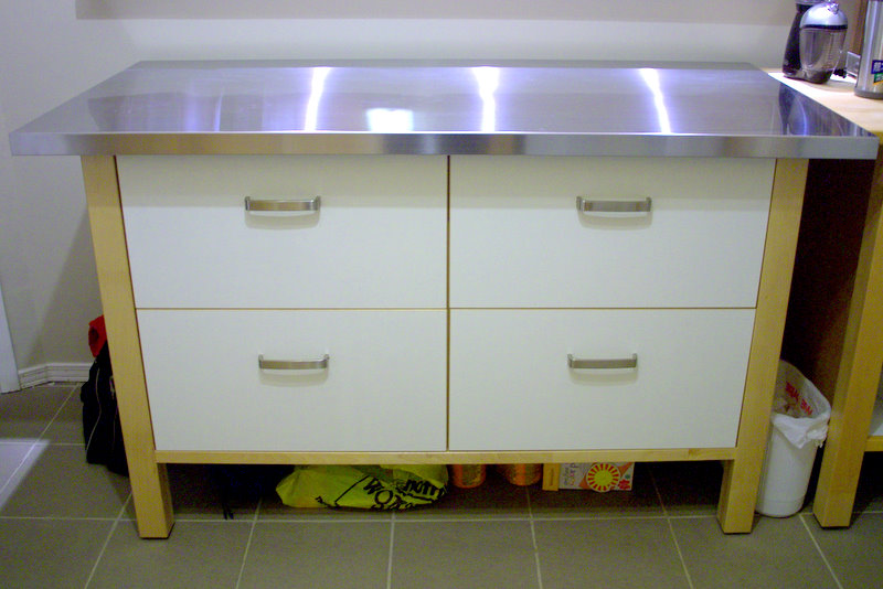 Island Cabinets Different Than Kitchen Doors