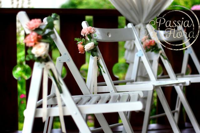 Ślub w plenerze w kolorach pudrowego różu.