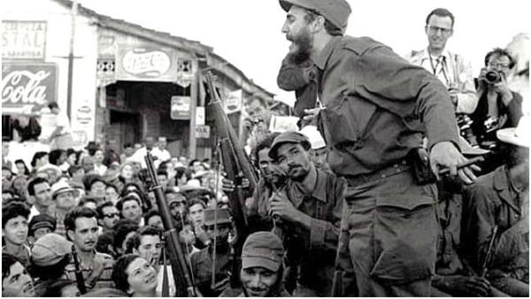 Há 60 anos, o Exército Rebelde cercava a cidade de Santiago de Cuba, na última batalha liderada pelo comandante Fidel Castro, no final de dezembro de 1958. Ao amanhecer do dia 1o de janeiro de 1959, o ditador Fulgêncio Batista abandonava a ilha.