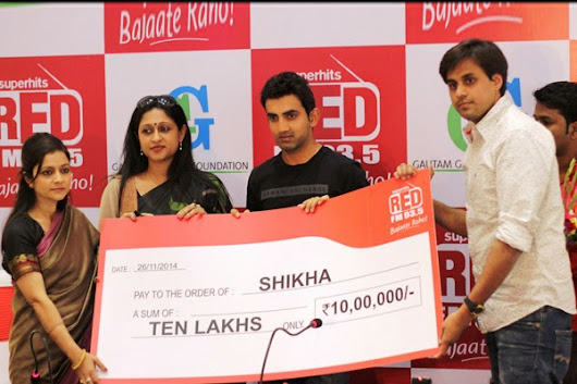 "PRESS RELEASE | 27 NOV 2014 | BY RNMTEAM RED FM donates Rs 10 lakhs under ""Raunac Ki Dilli - 10 Lakh Tere Haath"""