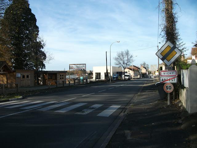 La route départementale 906 en direction de Vichy en novembre 2014.