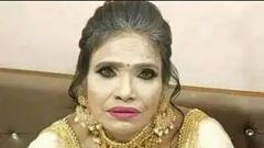 রানু মণ্ডলের মেকআপ নষ্ট করেছে তার চেহারা । মিম বানিয়ে ব্যবহারকারীরা উপহাস সোশ্যাল মিডিয়ায়