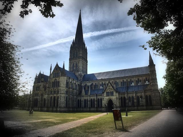 Gesamtansicht der Kathedrale von Salisbury