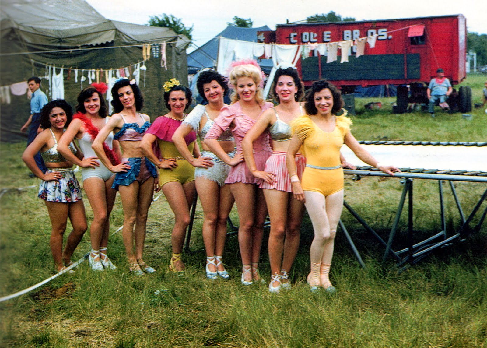 Incredible Vintage Color Photographs Of The American