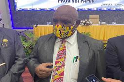 Klemen Tinal Minta Warga Perbatasan Waspada Lonjakan Penularan COVID-19 di Papua Nugini