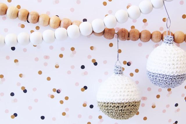 Gehaakt/ crochet, gehaakte bal, gratis patroon, kerst, kerstbal, Studio Mojo, haken