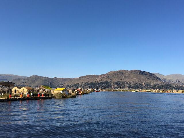 islas de los uros desde el lago titicaca