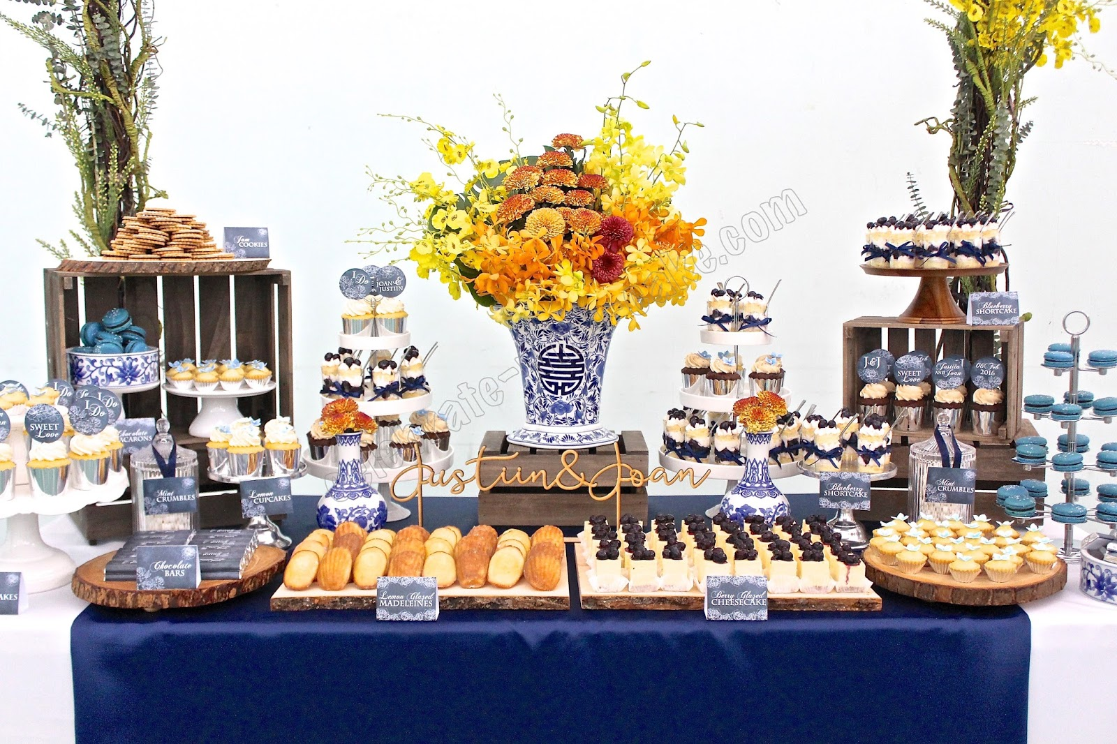Wedding Sweet Tables Dessert Station Themes Tips Fruits: Chinese Porcelain Themed Wedding Dessert Table (click Post