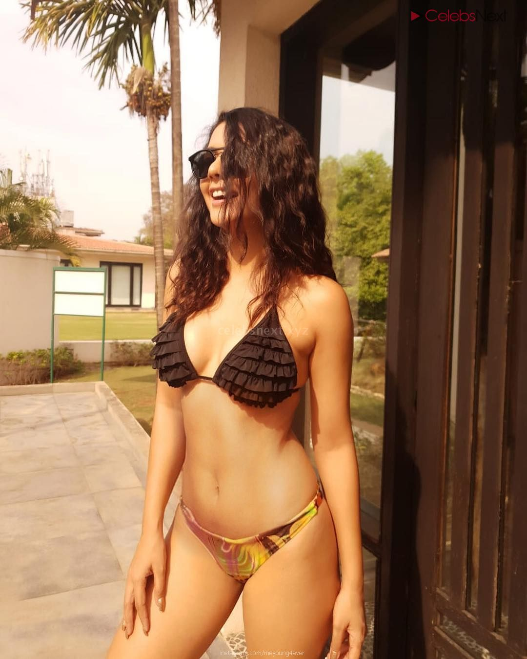 Ruhi Singh sizzles in Bikini in winter Super cute thongs with BFF at a vacation