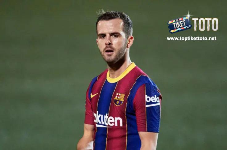 Miralem Pjanic Ogah Pergi dari Barcelona 2021