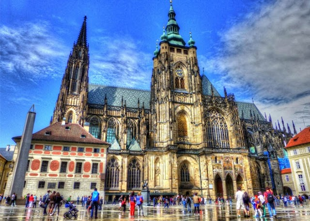 Traveling Prague - visiting the poetic capital of the Czech Republic