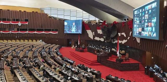 Ketegangan Wakil Rakyat Bahas Kenaikan BPJS Kesehatan Di Sidang Paripurna DPR