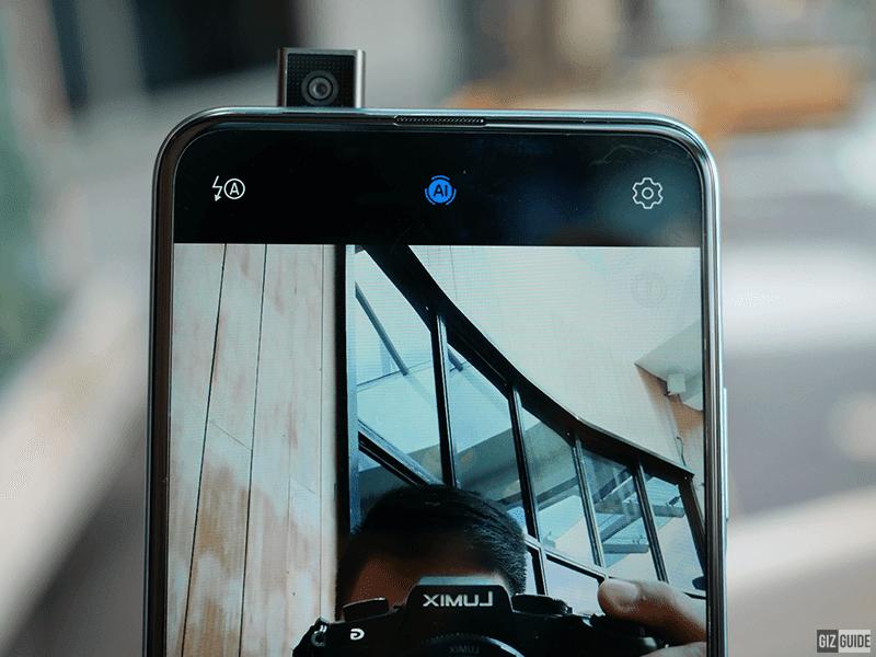 Y9s pop-up selfie cam