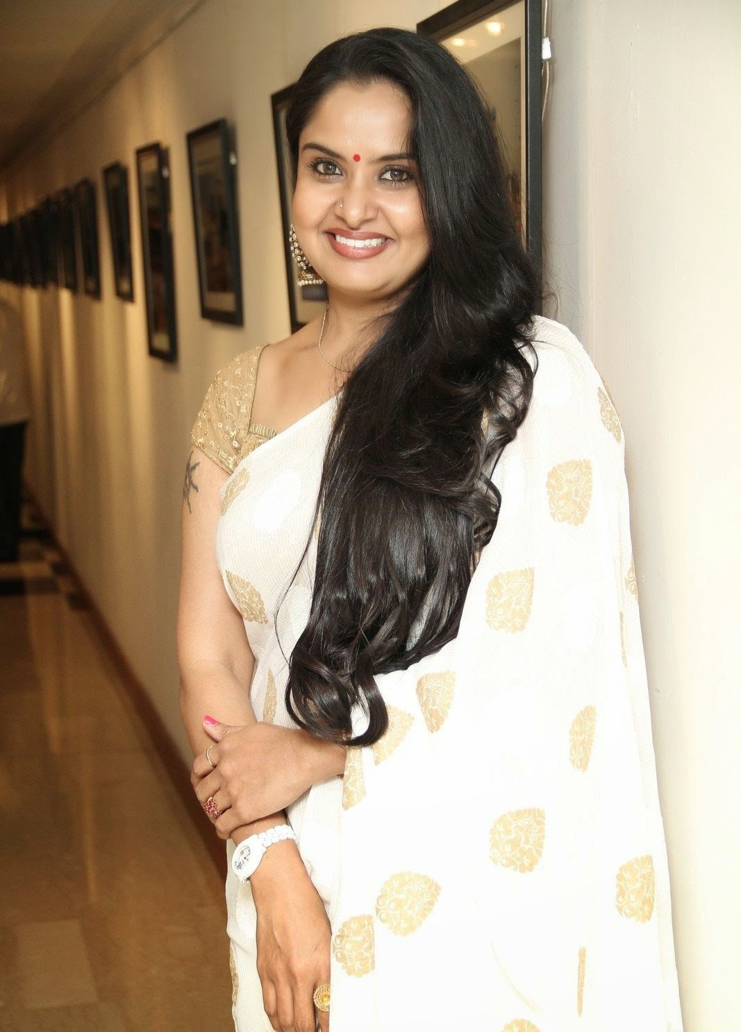 Glamorous Tollywood Pragathi Aunty Photos In White Saree
