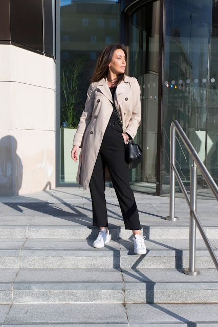 chic trench coat outfit