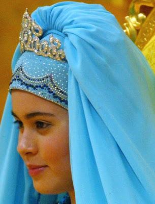 diamond flame tiara queen saleha brunei crown princess sarah