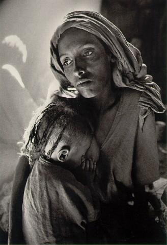 Children's+ward+in+the+Korem+refugee+camp+Ethiopia,+1984
