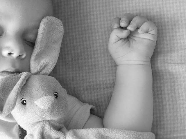 أجمل صور الاطفال لطفل نائم