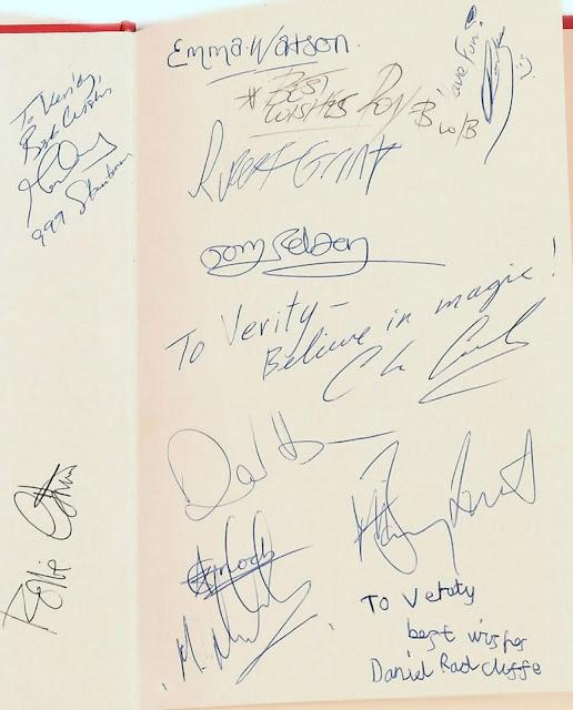 'Primeiro autógrafo' de Daniel Radcliffe como Harry Potter é vendido por quase R$ 13 mil | Ordem da Fênix Brasileira