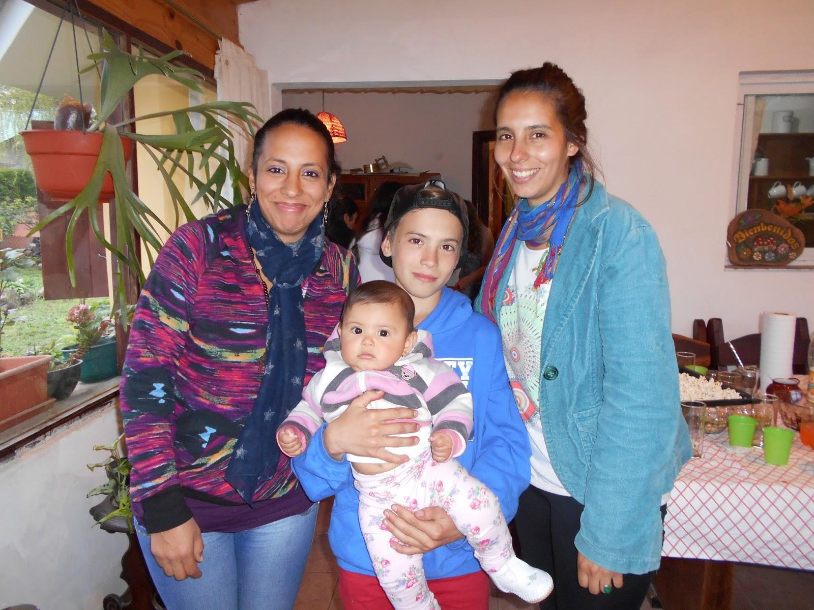 En mi camita solita mi marido no estahola amigo disculpavivo en venezuela estoy sin dinero para mis hijosayudame solo ingresando y dandole skip ad en este enlace httpmetbzabigailayudameporfavor - 5 6