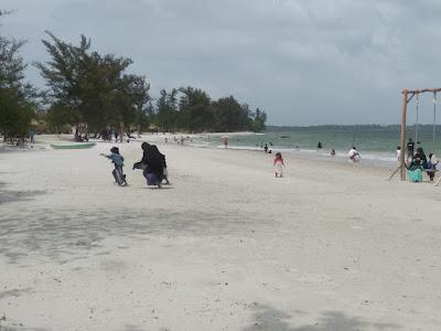 Pantai Reviola Barelang Batam