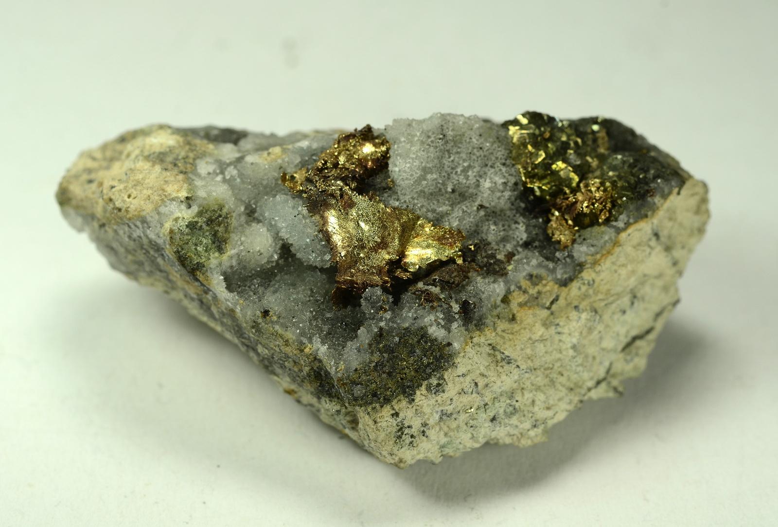 Ouro na Rocha de Quartzo