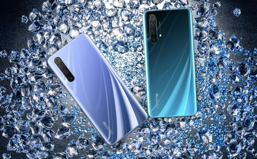 12 GB, 120 Hz and 5G at a very attractive price. Realme X50 5G Master Edition poses live