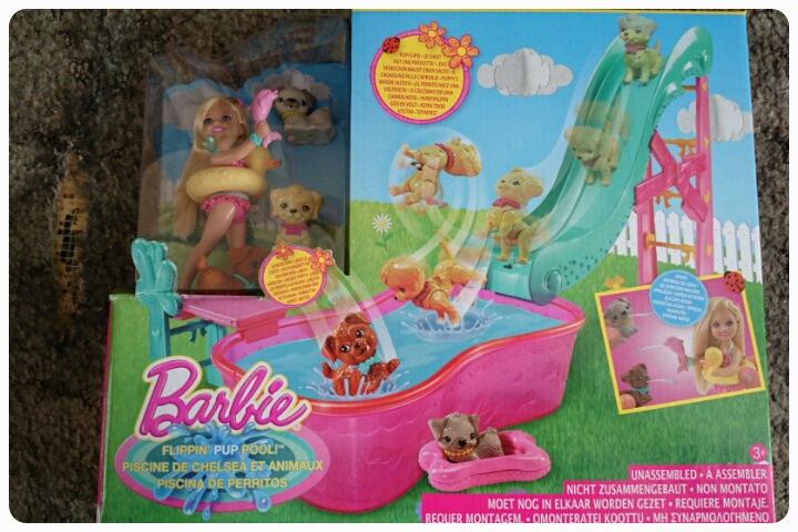 chelsea flippin pup pool playset