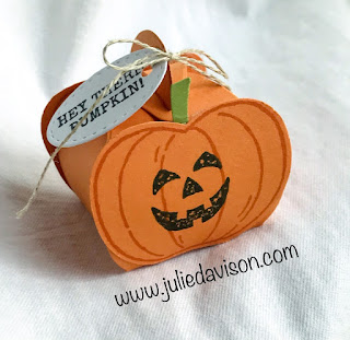 Stampin' Up! Harvest Hellos Halloween Pumpkin Mini Curvy Keepsake Box ~ CASEd from Susan Campfield ~ www.juliedavison.com