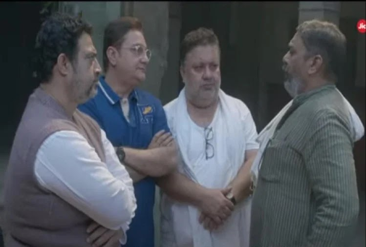 Ram-Prasad-Ki-Tehrvi-Review-The-great-saga-of-comedy-drama-and-tragedy-of-family-swinging-between-expectations-and-duty