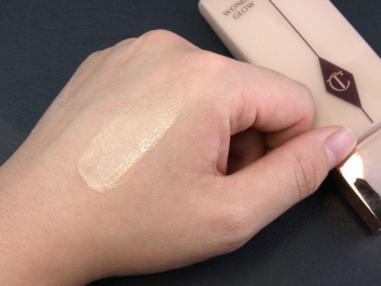 60fe0f12cc48 Charlotte Tilbury Wonder Glow Instant Soft-Focus Beauty Flash Primer ...