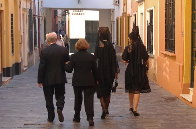 Familia de luto en la Madrugá Semana Santa Sevilla