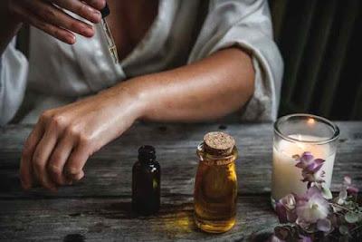 أفوائد زيت الكاميليا للبشره