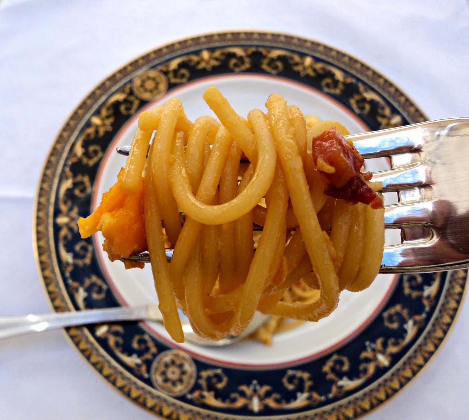 espaguetis-salsa-soja-bocado