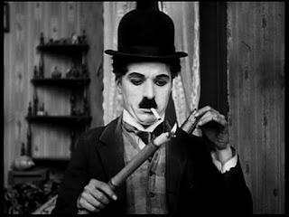 """Кадр из к/ф Чарли Чаплина """"Солнечная сторона"""" / Sunnyside (1919) - 28"""