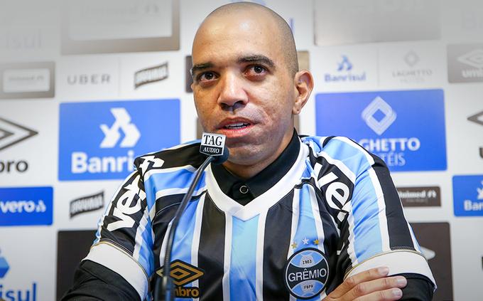 Fora do Tricolor! Diego Tardelli não é mais jogador do Grêmio