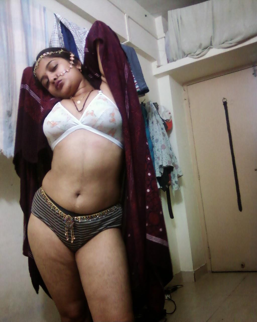 Desi Webcam Aunty