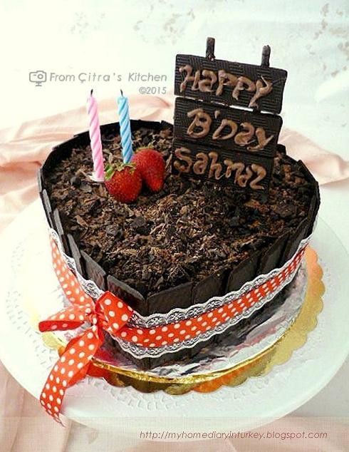Çitra's Home Diary. #engagementcake #cakedecorationidea #cakedecor #birthdaycake #kueulangtahun #weddingcake #redvelvetcake #bluevelvetcake #cakephotography #lemoncake #şifonkek #indonesisch #anekakueulangtahun #sunflowercake #barbiecake #minicake #cheesecakedecoration