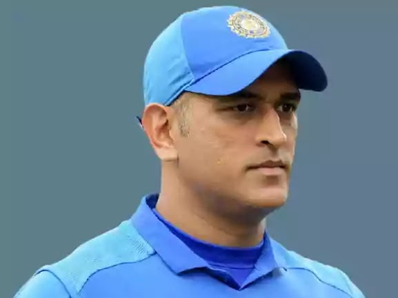 All about mahendra singh dhoni in Hindi age, wife, net worth, ms dhoni biography in hindi