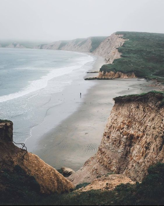 February Mood: Blush & The Sea