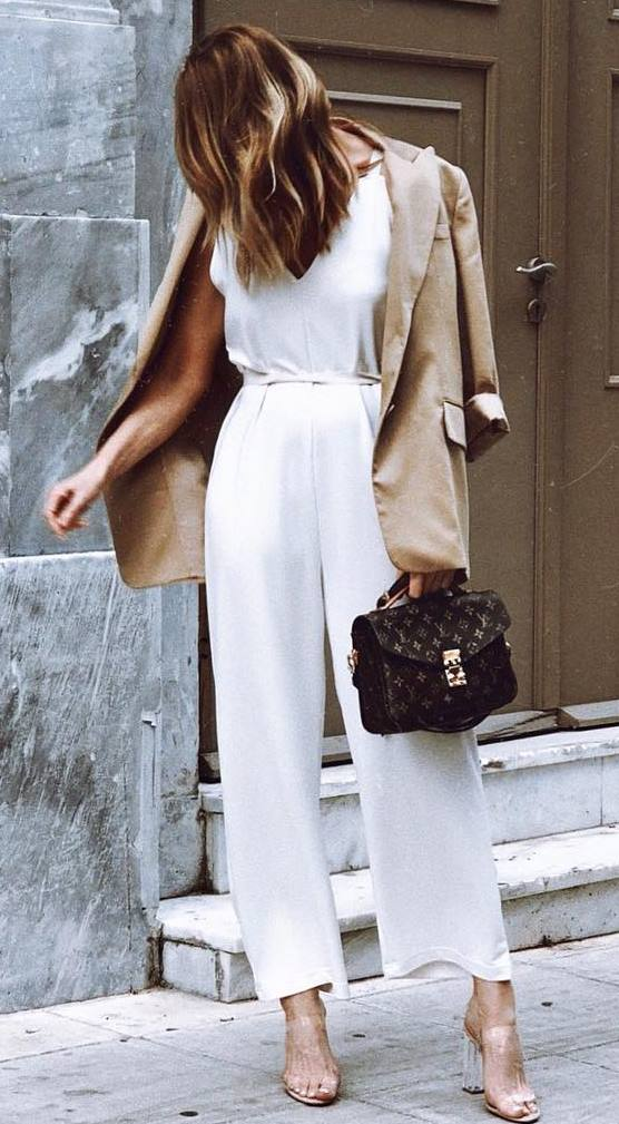 elegant fall outfit for everyone : beige blazer + white jumpsuit + bag + heels
