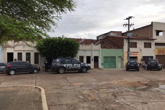 Polícia cumpre mandado de prisão contra suspeito de participar do assassinato do prefeito de Granjeiro