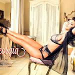 Sesión De La Increíble Modelo Georgia Salpa Para La Revista Loaded. Foto 8