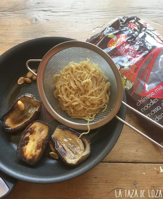 Berenjenas-con-noodles