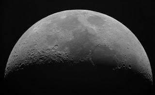 أجمل خلفيات و صور للقمر