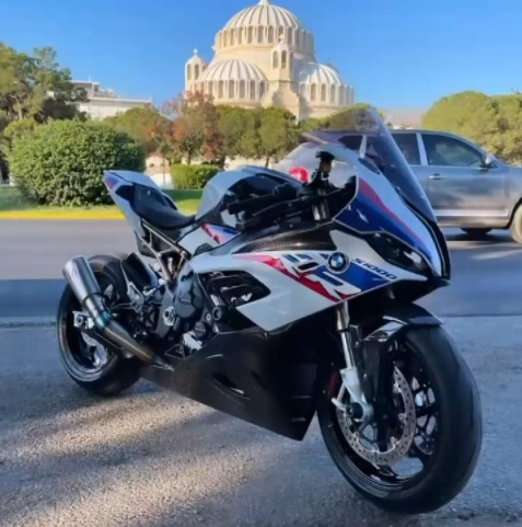 Review BMW S 1000 RR