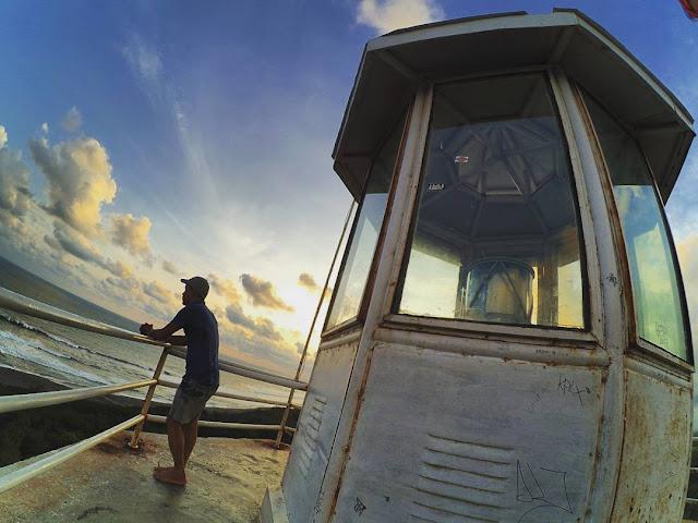 Menyepi Di Mersucuar Pantai Pandansari