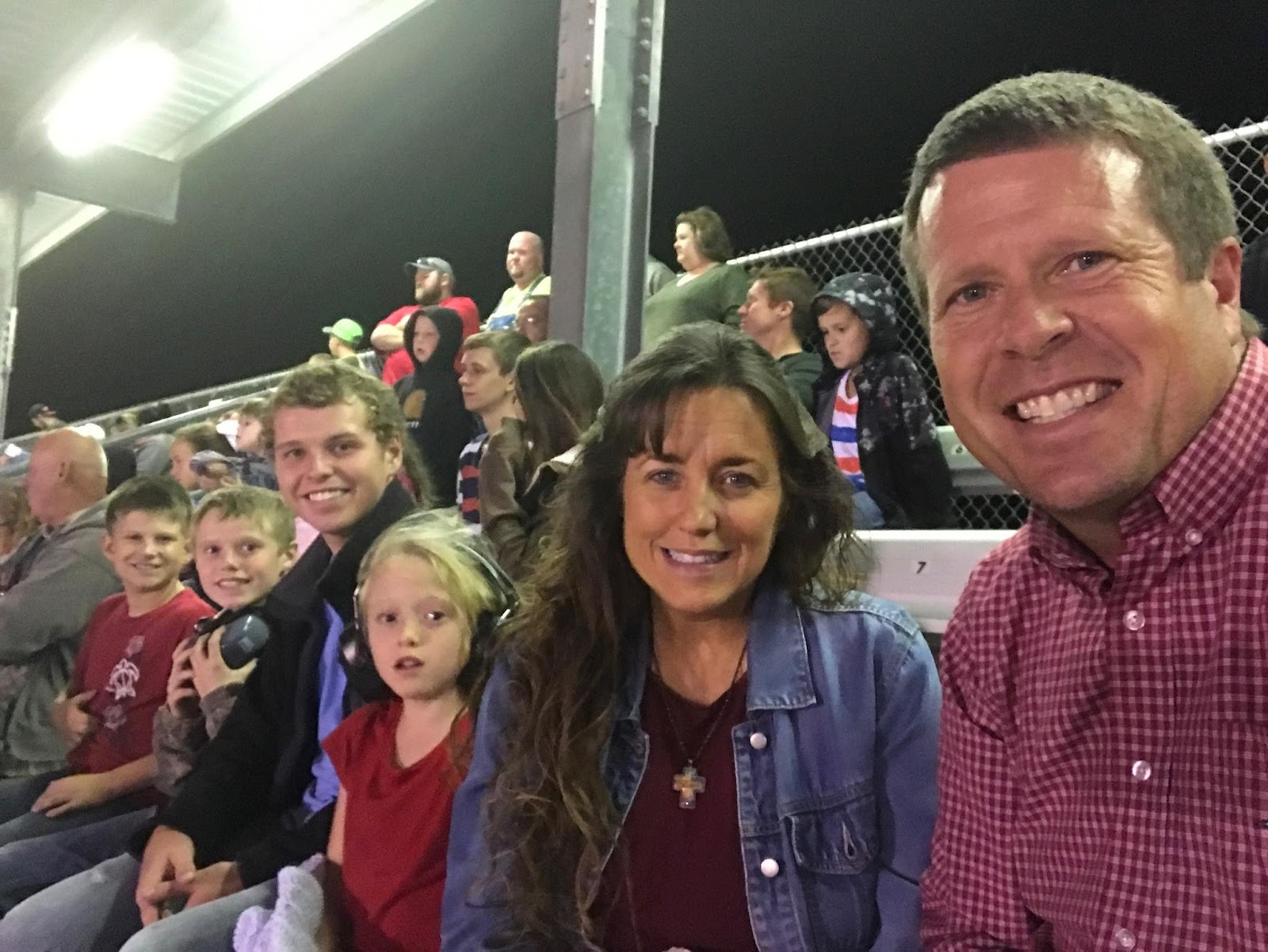 duggars dating 2017 The family has nineteen children josh and anna got married in september 2008 and have five children derick and jill got married in june 2014 and have two children.
