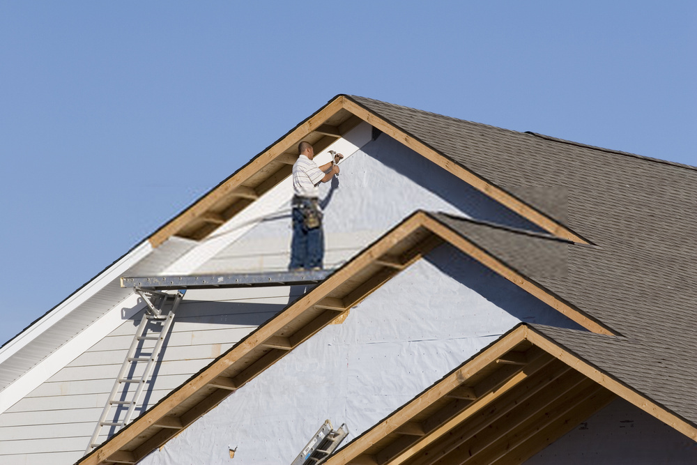 FACTORS TO CONSIDER BEFORE HIRING A SIDING CONTRACTOR